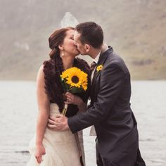 This+beautiful+rustic+mountain+wedding+is+full+of+vintage+style,+intimate+surroundings+&+lots+of+love!