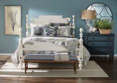 Handcrafted in our American workshop, Quincy bed is a classic 18th century design with a fresh, modern twist of the semi-graphic headboard.