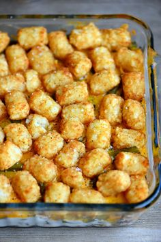 the BEST Tater Tot Casserole recipe around! Layers of amazing flavor combine for an easy and delicious dinner any night of the week! This fantastic casserole recipe will quickly become a family favorite! // Mom On Timeout Tator Tot Casserole Recipe, Ground Beef Casserole, Casserole Dishes, Casserole Recipes, Hamburger Casserole, Breakfast Casserole, Healthy Chicken Recipes, Healthy Dinner Recipes, Beef Recipes