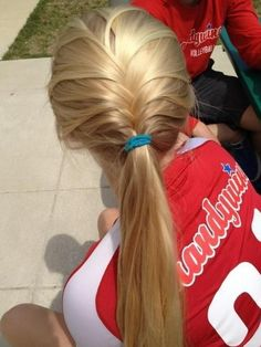 French Braid & Ponytail - Hairstyles and Beauty Tips Cute Ponytail Hairstyles, Sporty Hairstyles, Cute Ponytails, Pretty Hairstyles, Braid Ponytail, Blonde Ponytail, Hot Haircuts, Popular Haircuts, Updo Hairstyle