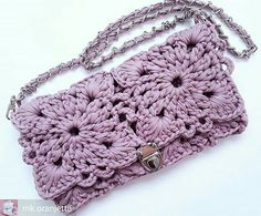 Marvelous Crochet A Shell Stitch Purse Bag Ideas. Wonderful Crochet A Shell Stitch Purse Bag Ideas. Crochet Clutch Bags, Crochet Handbags, Crochet Purses, Crochet Bags, Crochet Wool, Crochet Gifts, Crochet Shell Stitch, Crochet Stitches, Crochet Designs