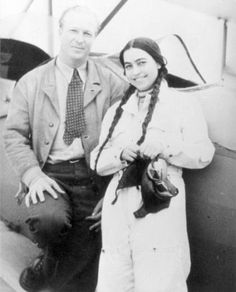 Smaranda Braescu – the first female Romanian parachutist and the third in European history, 1931 European skydiving champion of 1932 world champion and a world record achiever crossing the Mediterranean Sea. Paratrooper, Skydiving, European History, World Records, Powerful Women, Romania, Personality, Aviators, America
