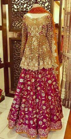 Wedding Dresses Pakistani Mehndi Fashion Styles 26 Ideas Source by raizakhan clothes pakistani Pakistani Wedding Outfits, Pakistani Wedding Dresses, Bridal Outfits, Dress Wedding, Pakistani Mehndi Dress, Bridal Mehndi Dresses, Bridal Lehenga, Lehenga Choli, Sharara