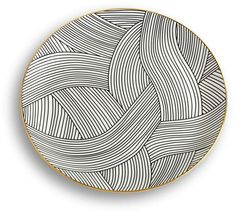 Fuelled by a curiosity about global art and culture, Bethan Gray presents this Lustre dinner plate for her namesake brand. Sgraffito, Clay Plates, Ceramic Plates, Ceramic Art, Pottery Plates, Slab Pottery, Ceramic Pottery, Pottery Patterns, Pottery Designs