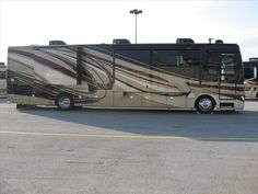 2013 Fleetwood Discovery   http://www.buyandsellrvs.com/details.cfm?adv_id=1106620_token=734DD76A-B1E0-4F6F-B5B6-0C0B908C52F7