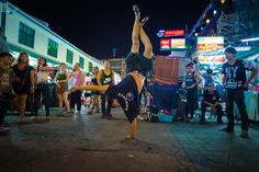 https://flic.kr/p/sHVNbC | Breakin' | Stumbled across some breakdancers while pushing my way through the crowds on Khao San Road.  Bangkok 2015