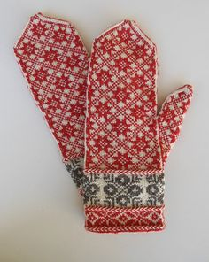 Ravelry: JanetWelsh's Star Mittens