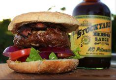 KC Pitmaster på en nydelig Burger. http://grillhagen.no/products/kc-pitmaster-bbq-saus