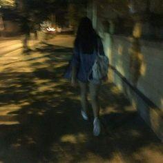 O título é autoexplicativo. #fanfic # Fanfic # amreading # books # wattpad Ulzzang Korean Girl, Cute Korean Girl, Night Aesthetic, Aesthetic Girl, Tumblr Photography, Girl Photography Poses, Indie Photo, Girl Pictures, Girl Photos
