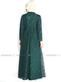 The perfect addition to any Muslimah outfit, shop Sevdem Abiye's stylish Muslim fashion Green - Muslim Evening Dress. Find more Muslim Evening Dress at Modanisa! Hijab Gown, Hijab Style Dress, Abaya Fashion, Muslim Fashion, Fashion Dresses, Muslim Evening Dresses, Muslim Dress, Dress Brokat, Kebaya Dress