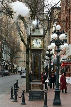 Steam clock in Gestaune, an ancient district of Vancouver. Gastown...