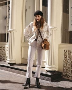 Christie Tyler Knows How To Rock White Denim (Le Fashion) Christie Tyler Knows How To Rock White Denim Punk Outfits, Grunge Outfits, Fall Outfits, Fashion Outfits, Fashion Trends, Summer Outfits, Denim Jacket Outfit Winter, White Jacket Outfit, Denim Outfit