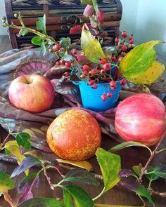 Πάστα φλώρα... η νηστίσιμη νοστιμιά με λίγη ζάχαρη | Tante Kiki Apple, Fruit, Food, Apple Fruit, Essen, Meals, Yemek, Apples, Eten