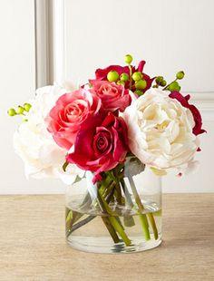sweet faux floral arrangement  http://rstyle.me/n/vzq86pdpe