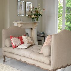 linen daybed reading nook