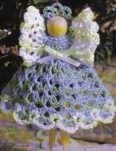 Free Crochet Pattern - Clothespin Angel....♥ (a friend made me a few of these--they look really cute on the Christmas tree )