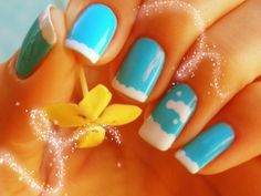 Nail art céu azul by Mhilka ♥, via Flickr