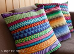 Gorgeous hand-knit pillows.