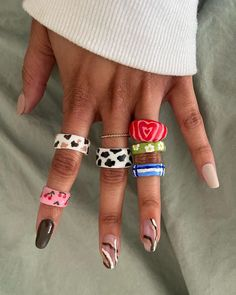 Funky Jewelry, Hand Jewelry, Cute Jewelry, Jewellery, Fimo Ring, Polymer Clay Ring, Clay Art Projects, Clay Crafts, Diy Clay Rings