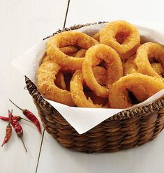 Sweet Chili Onion Rings - Slices of Spanish onions in a crispy sweet and spicy batter.