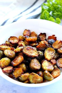 Honey Balsamic Roasted Brussels Sprouts Recipe perfectly oven-roasted sprouts tossed with sweet and tangy honey balsamic combo just before serving. Make with fresh or frozen Brussels sprouts for a quick and easy side dish idea thats bursting with flavor! Vegetable Sides, Vegetable Recipes, Vegetarian Recipes, Cooking Recipes, Healthy Recipes, Healthy Brussel Sprout Recipes, Steak Recipes, Honey Recipes, Chicken Recipes