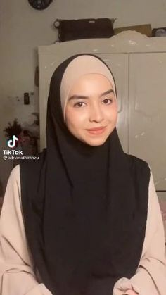 Square Hijab Tutorial, Simple Hijab Tutorial, Pashmina Hijab Tutorial, Hijab Style Tutorial, Hijab Turban Style, Mode Turban, Stylish Hijab, Hijab Casual, Hijabi Girl