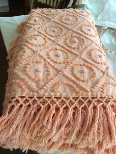 Hand Tufted Vint Candlewick Bed Spread soft salmon & pink NUfresh knotted fringe