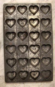 Tin heart mold/baking pan (1) From: eBay, please visit