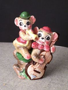 Vintage Stacking Bear Musician Salt and Pepper Shakers