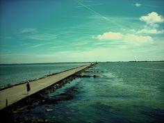 PASSAGE DU GOIS, ILE DE NOIRMOUTIER. Road connecting the island with the mainland, passable at low tide. // Route reliant l'île avec le continent, praticable pendant la marée basse.