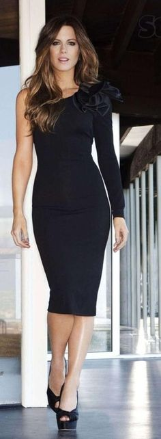 flattering fit / style... on a lovely gal, kate beckinsale