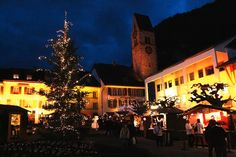 This week's advent tip is the Christmas Market on the Stadthausplatz Unterseen. There are also markets taking place in Hilterfingen, Sigriswil and Oberried this weekend.
