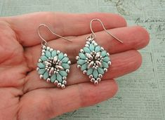 Linda's Crafty Inspirations: Cute & Easy Earrings - Aqua & Silver