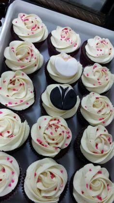 Wedding cupcakes Wedding Cupcakes, Desserts, Food, Tailgate Desserts, Meal, Dessert, Eten, Meals, Deserts
