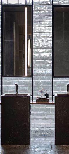 Mediterranean Home Interior Craftsman Home Interiors, Rustic Home Interiors, Hotel Interiors, Fall Home Decor, Cheap Home Decor, Bathroom Inspiration, Bathroom Ideas, Public Bathrooms, Minimalist Home Interior