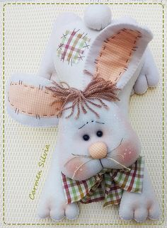 Felt Crafts, Easter Crafts, Holiday Crafts, Diy And Crafts, Holiday Decor, Ribbon Holders, Farm Fun, Knitted Animals, Sewing Dolls