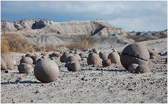 """""""La cancha de bochas"""", en el Parque Provincial Ischigualasto, más conocido como Valle de la Luna. San Juan, (Argentina).   -lbk-"""