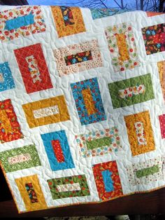 A very pretty quilt! I'd like to make this one!