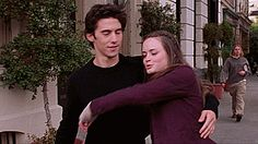 Find images and videos about gif, hug and gilmore girls on We Heart It - the app to get lost in what you love. Estilo Rory Gilmore, Jess Gilmore, Rory E Jess, Team Logan, Teenage Dream, Girl Quotes, Cute Boys, Cute Couples, Movie Tv