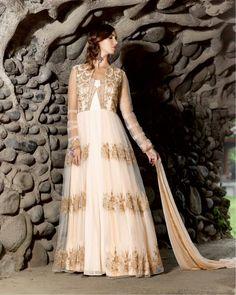 Robe de mariage tenue de soirée longue avec châle dress indo western saumon et or    #NarkisFashion #Robe #Mariage
