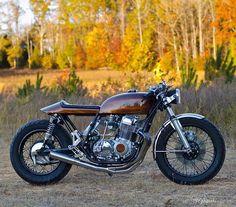 HONDA CB750 'Woody' By @fgkouki #honda #cb #custom #bike #caferacer #bratstyle #scrambler #instamoto #builtnotbought #stocksucks #ride #ride_like_hell #saintmotors #saint_motors