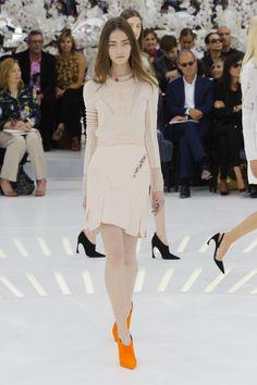 Cores claras dominaram a coleção inverno 2015 da Dior | Paris | Inverno 2015 HC