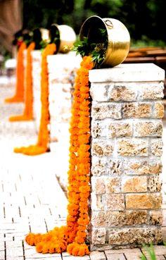 39 Super ideas wedding decoracion indian mehndi decor #wedding #hairstyles for black women Indian Wedding Centerpieces, Indian Wedding Flowers, Marigold Wedding, Wedding Hall Decorations, Indian Weddings, Marigold Flower, Decor Wedding, Orange Wedding Decor, Flower Pots