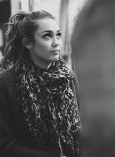 I love the scarf & high pony