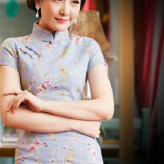 A print to swoon over....linen Cheongsam are better than cotton for durability, warmer and look stylishly modest at the same time...
