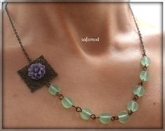 Pearls necklace color block green glass flower