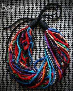 BEZ METKI: colorfull fabric necklace | kolorowy naszyjnik z dzianiny