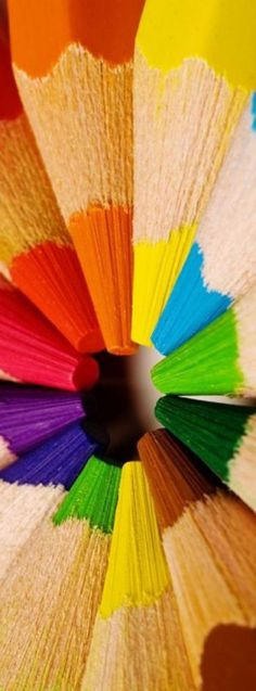 Felling the need for a rainbow World Of Color, Color Of Life, Image Crayon, All The Colors, Vibrant Colors, Pastel Colors, Rainbow Connection, Coloured Pencils, Color Photography