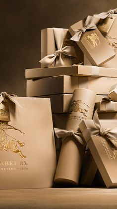 Discover Beauty & Fragrance from Burberry. Shop a collection of runway-inspired beauty looks featuring Burberry Lips, Skin & Glow, Eyes and fragrances. Clothing Packaging, Jewelry Packaging, Gift Packaging, Packaging Design, Branding Design, Packaging Ideas, Safe The Date, Burberry Gifts, Burberry 2015