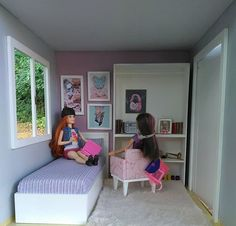 Barbie Dolls Diy, Doll Clothes Barbie, Barbie Doll House, Barbie Life, Barbie House Furniture, Doll Furniture, Juste Zoe, Baby Play House, Barbie Tumblr